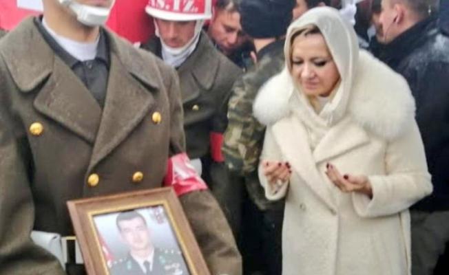 Şehit Cenazesinde Skandala Neden Olmuştu ! Yanıt Verdi: Namaz Bitti Sandım