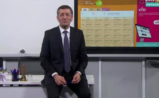 """TRT EBA TV ile Eğitim Bilişim Ağı (EBA) üzerinden """"uzaktan eğitim"""" dersleri başladı"""