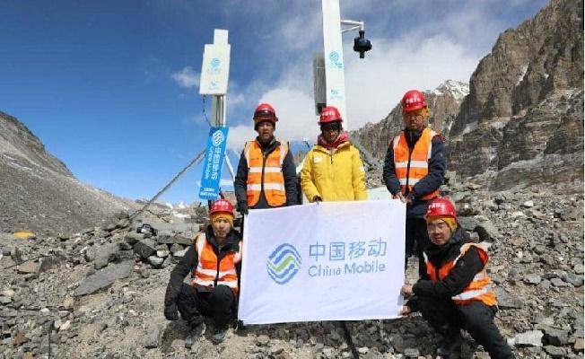 Huawei Bir İlki Gerçekleştirdi! Everest'in Tepesine 5G Antenleri Yerleştirdi