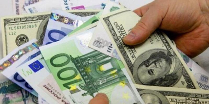 Dolar kritik seviyeyi aştı! 3 Nisan güncel dolar ve euro fiyatları