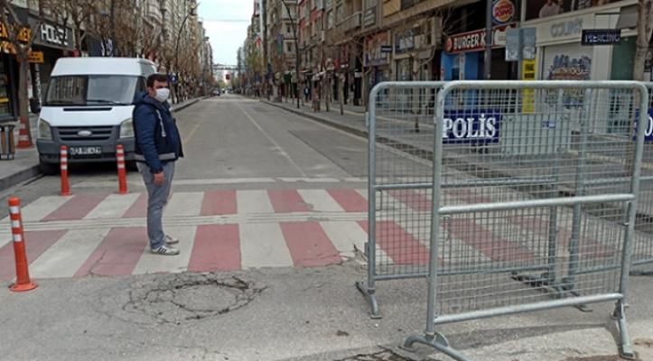 Elazığ'da sokağa çıkma yasağına uymayan 126 kişiye 49 bin 392 lira TL para cezası kesildi!