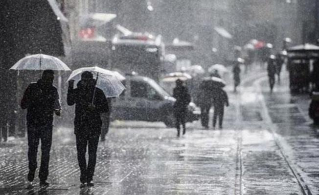 Meteoroloji'den uyarılar peş peşe geldi! Çok şiddetli gök gürültülü sağanak yağış ve fırtına geliyor!