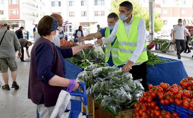 Ankara Büyükşehir Belediyesi bedeva meyve ve sebze dağıttı!