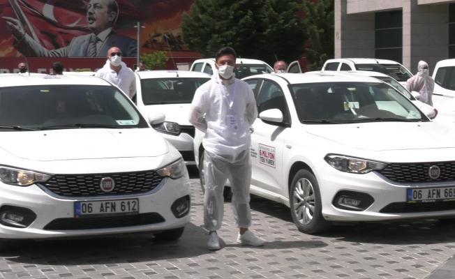 Ankara Büyükşehir Belediyesi sokakta ücretsiz maske dağıttı!