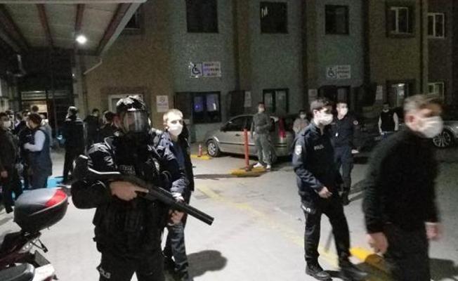Hamile bir kadını tekmelediği belirtilen muhtar hastanede güvenlik güçlerine saldırdı!
