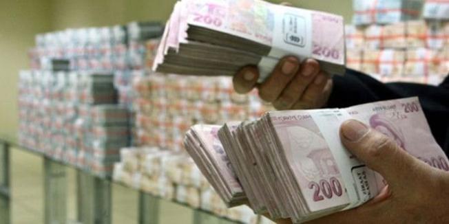 Hazine son 12 ayda 300 Milyar TL iç borçlanmaya gitti!