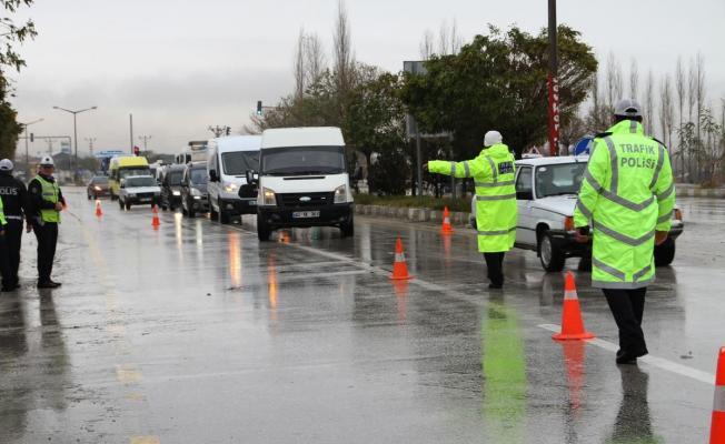 Araç sürücüleri dikkat! Sayılı günler kaldı! Yaptırmayanlara 1.083 TL ceza kesilecek!