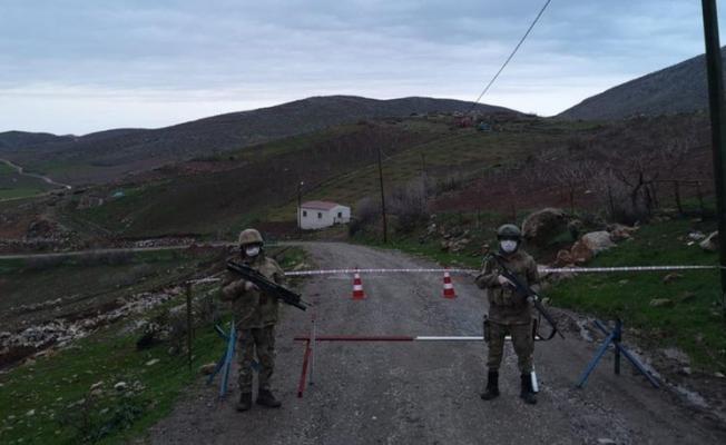 Güvenlik korucusunun testi pozitif çıktı, köy karantinaya alındı!