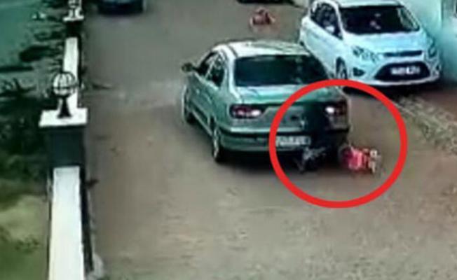 İzmir'in Tire ilçesinde 3 yaşındaki bir çocuğa araba çarpması videoya böyle yansıdı!