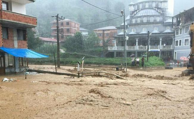 Manisa Akhisar'da aşırı yağışlar sele neden oldu! 1 kişi hayatını kaybetti