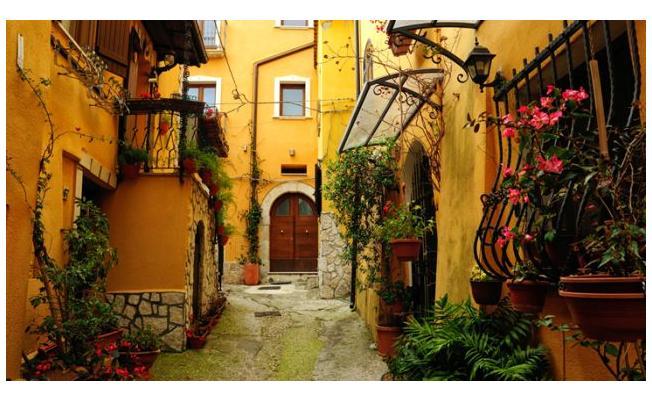Tatil planı yapanlar dikkat! İtalya'daki bir köy ücretsiz tatil kampanyasını başlattı!