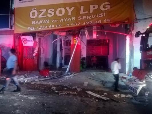 İzmir'de LPG bakım servisinde patlama!