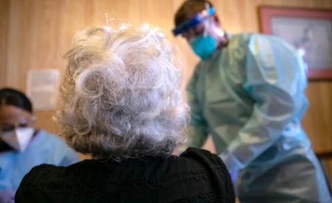 Koronavirüs yüzünden sadece bir günde 1095 kişi hayatını kaybetti!