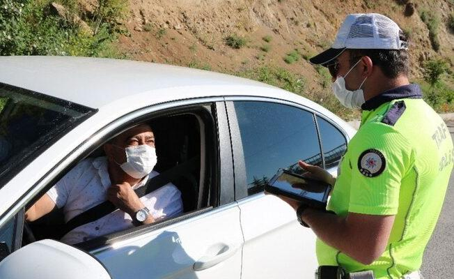 İstanbul, Ankara, İzmir özel araçta maske takmak zorunlu mu? Maske takmama cezası ne kadar?