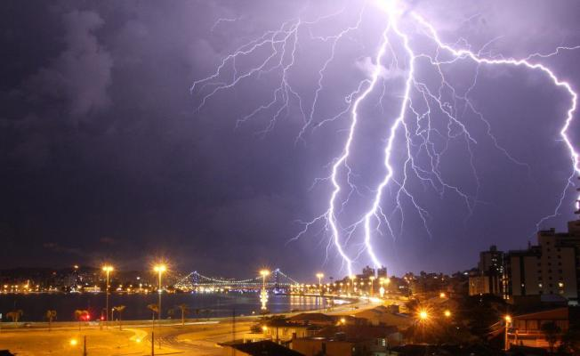 Bu illerde yaşayanlar dikkat ! Dolu, sel, hortum ve şiddetli yağış geliyor