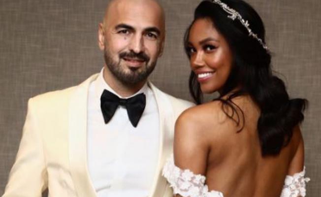 Şarkıcı Soner Sarıkabadayı evlendi!