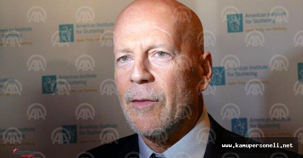 ABD Kekemelik Enstitüsü Bruce Willis'e En İyi Kekeme Ödülü Verdi