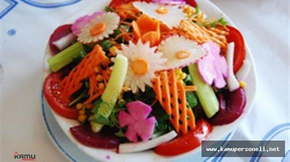 Amasra Salatası Turistlerden Büyük İlgi Görüyor