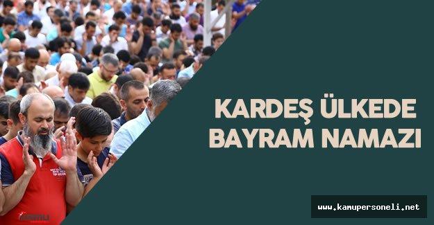 Azerbaycan'da Halk Ramazan Bayramı Namazı İçin Camilere Akın Etti