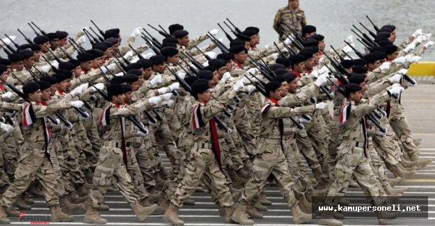 Bağdat'ta Askeri Geçit Töreni Düzenlendi
