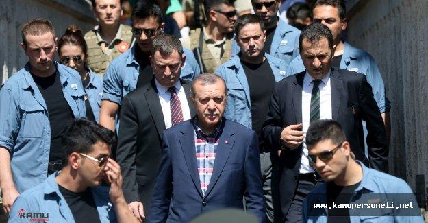 Cumhurbaşkanı Erdoğan Annesi ve Kayınvalidesinin Mezarını Ziyaret Etti