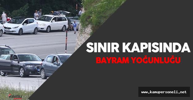 Dereköy Sınır Kapısı'nda Bayram Tatili Yoğunluğu