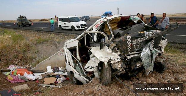 Diyarbakır'da Feci Trafik Kazası 3'ü Çocuk 6 Kişi Hayatını Kaybetti