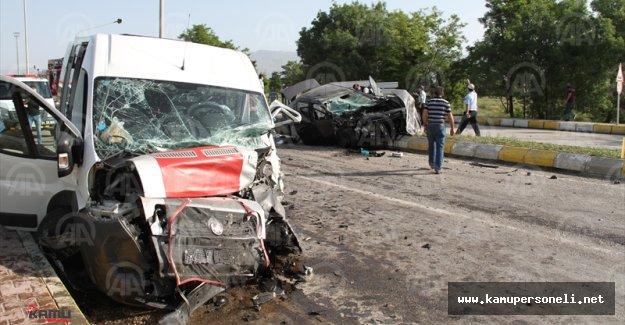 Erzincan'da Kaza; 26 Yaralı Var