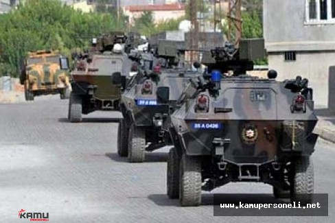 Hakkari Şemdinli'de Zırhlı Aracın Geçişi Sırasında Patlama Oldu