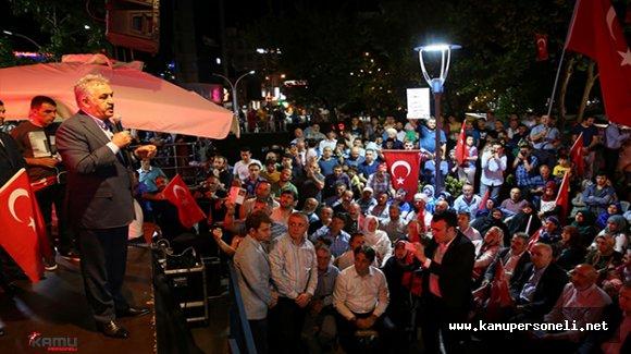 """AKP Genel Başkan Yardımcısı Hayati Yazıcı: """"Hedefleri Suriye'nin yanında yeni bir Suriye oluşturmak"""""""