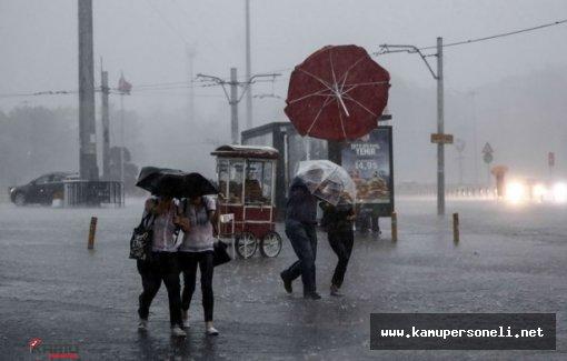 İstanbul'da Sağnak Yağış Hayatı Olumsuz Etkiledi