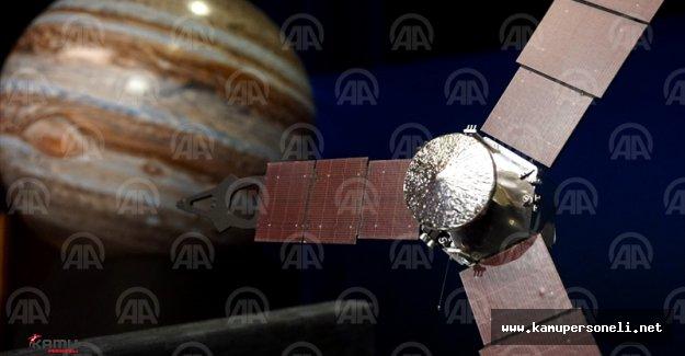 Juno 5 Yıllık Yolculuğun Ardından Jüpiter'in Yörüngesine Girdi
