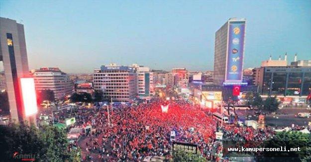 Kızılay Meydanında Demokrasi Nöbeti Devam Ediyor