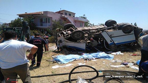 Manisa'da Yolcu Treninin Minibüse Çarpması Sonucu 6 Kişi Öldü