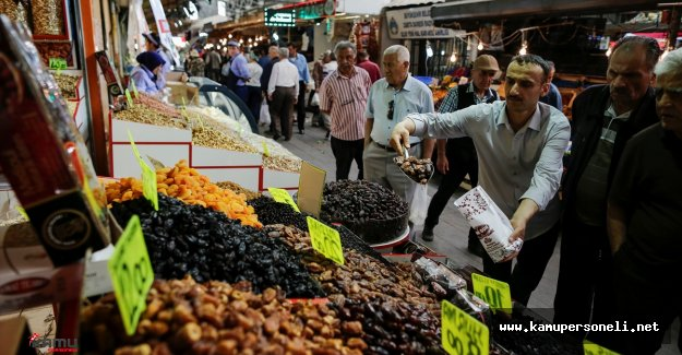 Mübarek Ramazan Ayı Çarşı Pazardaki Esnafa Bereket Getirdi