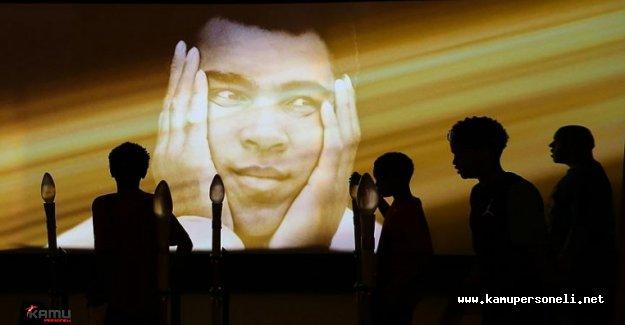 Muhammed Ali Son Yolculuğuna Uğurlanıyor