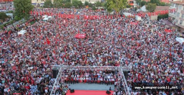 Niğde'deki Demokrasi Mitingine Şehit Astsubay Ömer Halisdemir'in Babası Katıldı