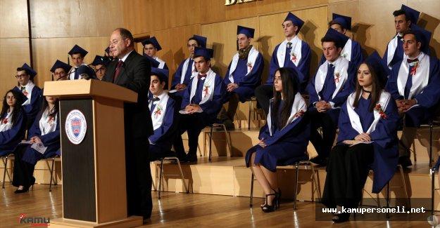 Sağlık Bakanı Akdağ , Bilkent Lisesi Mezuniyet Törenine Katıldı