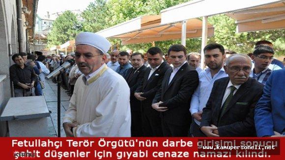Sivas'ta Vatandaşlar Darbe Girişimini Protesto Etti.