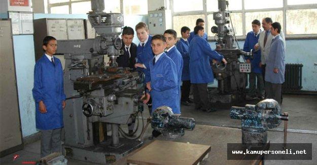 Teknik ve Meslek Liseliler Bu Senede 'Sınavsız Geçiş' Yapabilecekler