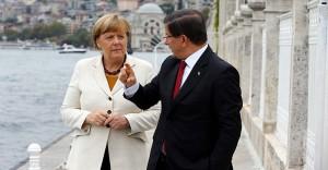 Davutoğlu ve Merkel Gaziantep'te Suriyeli mültecilerle bir araya gelecek