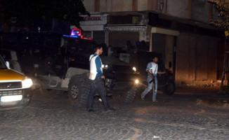 Diyarbakır'ın Bağlar İlçesinde PKK'lı Teröristler Tarafından Bombalı Saldırı!