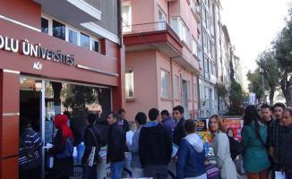 Anadolu Üniversitesi AÖF  Öğrencilerinden Harç Ücretlerinde İndirim Yapılsın Talebi