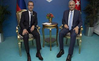 Başbakan Yıldırım Rusya Başbakanı Medvedev İle Görüştü