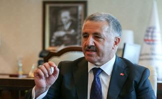 Ulaştırma Bakanı Arslan'dan Servis Araçlarına İlişkin Açıklama