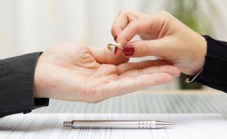 Boşanırken Kredi Kartı Borçları Ne Olur?