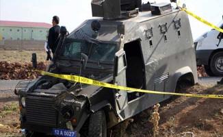 Polis Aracına Bombalı Saldırı! Yaralı Polisler Var!