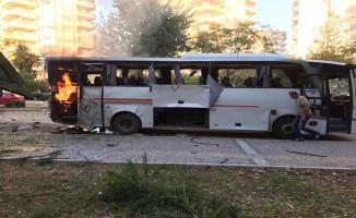 Son Dakika: Mersin'de Polis Servis Aracına Bombalı Saldırı