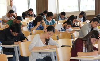 Üniversiteye Giriş Sistemi Neden Öğrenciler Çalışmaya Başladıktan Sonra Değiştirildi?
