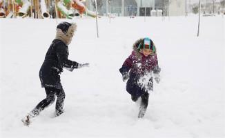 Kar Yağışı Etkisini Artırdı! 4 İlde Okullar Tatil Edildi